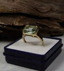 D28-81 / eleganter Ring 9 K / 375 Gelbgold  hellgrüner Stein Gr. ca. 57
