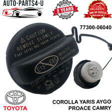 NEW TOYOTA COROLLA YARIS AYGO PROACE CAMRY HIGHLANDER PETROL FUEL CAP WITH CORD