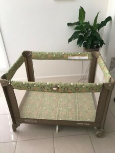 Graco Pack N Play - safari theme - excellent condition