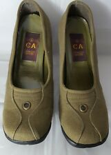 CA Collection Carrini Women Olive Green Oxford Mary Jane High Heel Shoes Size 9