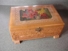 Old Vtg Antique Wooden Wood Box Flower Design On Top Dove Tail Pattern