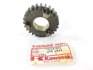 NOS KAWASAKI H1 500 4th Gear Drive Shaft 25T
