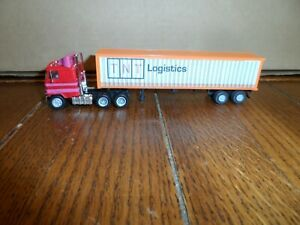 HO SCALE CUSTOM GMC COE TRACTOR AND CONTAINER WITH TRAILER    TNT LOGISTICS