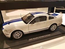 AUTOART 1/18 2005 FORD MUSTANG SHELBY GT500 CONCEPT WHITE / BLUE STRIPE 73052