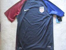 BNWT Nike Team USA Soccer Jersey Size S