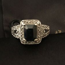 White Gold Saphire And Diamonds Ring