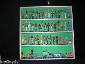 New**Large collectible figurines display rack
