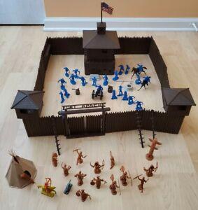 Vintage Marx Playset FORT APACHE Western Cowboy & Indians Play Set