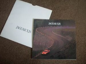 SALES BROCHURE AND SPEC SHEET FOR JAGUARS XJS EXCELLENT WITH OUTER SLEEVE