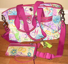 WOMENS WHITE SIGNATURE COACH DIAPER BAG WITH MATCHING WALLET EXCELLENT CONDITION