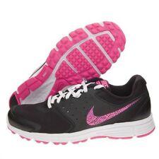 Chaussures de fitness, athlétisme et yoga noirs Nike pour femme