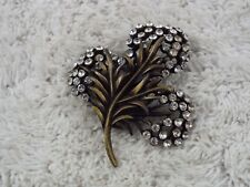 Vintage KARU ARKE Brasstone Rhinestone Flower Pin (C48)
