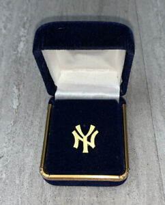 Don Baylor Game Used Worn Gold Pin Players Issued New York Yankees NYY COA 1/1