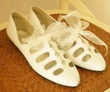 New Vintage 1960s White Leather Cut Out Shoes 8 Mod