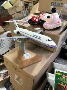 Boeing Promotional Desk Model Boeing 717 1/100 scale desk model with stand