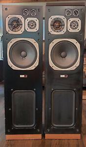 Sony SSU-4000 Floor speakers good condition