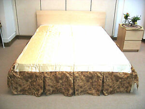 DaDa Bedding Floral Brown Golden Champagne Soft Satin Décor Pleated Bed Skirt