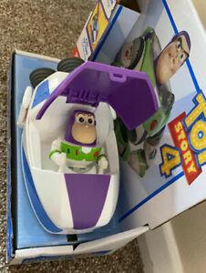 Toy story 4 buzz light year pop up spaceship cruiser Fisher-Price