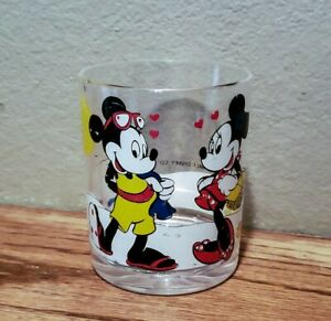 Vintage Walt Disney Mickey Mouse Minnie Mouse 8 oz plastic Cup GREAT GRAPHICS