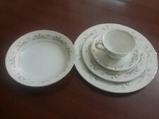 Harmony House Platinum Garland 5 Pc Dinner Setting In Mint Condition