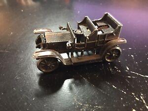 VINTAGE 1905 ROLLS ROYCE DIE CAST CAR METAL PENCIL SHARPENER - MADE IN HONG KONG