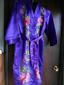 Kimono Robe Purple w/ Embroidery Floral Design Med.