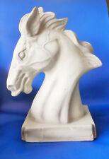 Buste de cheval en terre cuite, blanc