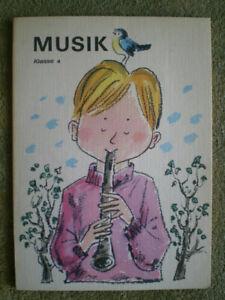 Musik 4. Klasse - DDR Schulbuch Musikbuch, Bilder von Werner Klemke