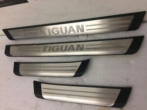 Volkswagen Tiguan Genuine Side Step Running Board Door sills 5N0071303
