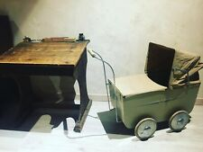 poussette ancienne jouet ancien collection Helvetia poupée 1948 bois métal