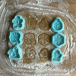Christmas cookie cutters set. Mini cookies for Christmas party. 6 stamps in set.
