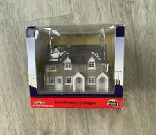 BACHMANN OO GAUGE - 44-125 - RURAL WORKERS COTTAGES - BOXED