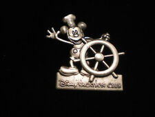 DISNEY STEAM BOAT WILLIE TACK PIN ***** VINTAGE ***** VACATION CLUB