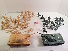 47 PC PLASTIC TOY SOLDIERS AND TANK SET BEIGE AND GREEN