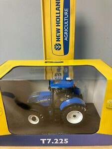 Universal Hobbies - New Holland T7.225 - (UH4893)