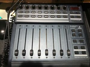 Behringer BCF2000 DAW CONTROLLER PRO TOOLS AND MANY OTHERS
