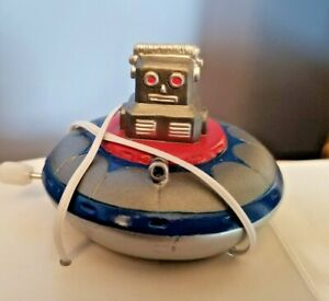 """2"""" Soft Vinyl Space Ship w Robot  Wind-up NIB LIMITED Edition , Ray Rohr Estate"""