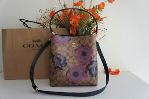 NWT Coach C2800 Town Bucket Bag In Signature Canvas With Kaffe Fassett Print$428