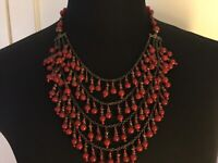 VINTAGE NECKLACE COSTUME FASHION JEWERLY RETRO EXCELLENT CONDITION.