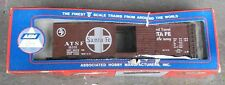 AHM Rivarossi O-scale 40 foot Box Car Santa Fe 7303-B MIB