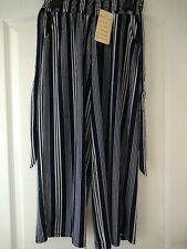 Ladies 3/4 Trousers Bnwt Size 12