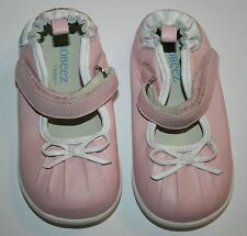 New Robeez Tredz Pink with White Bow Applique Petite 15-18m 6 us 21 eu