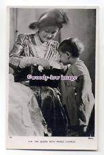 r1556 - Queen Elizabeth ( Bowes-Lyon ) with Grandson Prince Charles - postcard