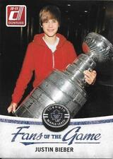 """JUSTIN BIEBER - 2010-11 Donruss """"Fans of the Game"""" Insert - Panini"""