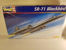 Revell Monogram Sr-71 Blackbird Spy Plane Plastic Model 1:72 Model Kit 85-5810