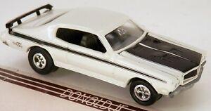 Johnny Lightning 1970 Buick GSX White '70 (Skylark Gran Sport) JL 1/64 Scale