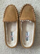 ~MINNETONKA~ Women's  Tan Leather Slippers, Size 9. New