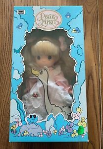 """PRECIOUS MOMENTS BABY DOLL 1992 """"GOOSE GIRL"""" NEW IN BOX !! +"""