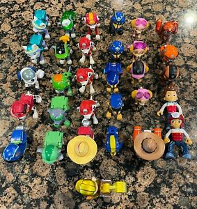 Paw Patrol Action Pack Pups Figure Lot of 30