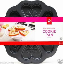 Valentine's Day Wilton Nonstick Heart Blossom Cookie Pan 6 Treats NWT